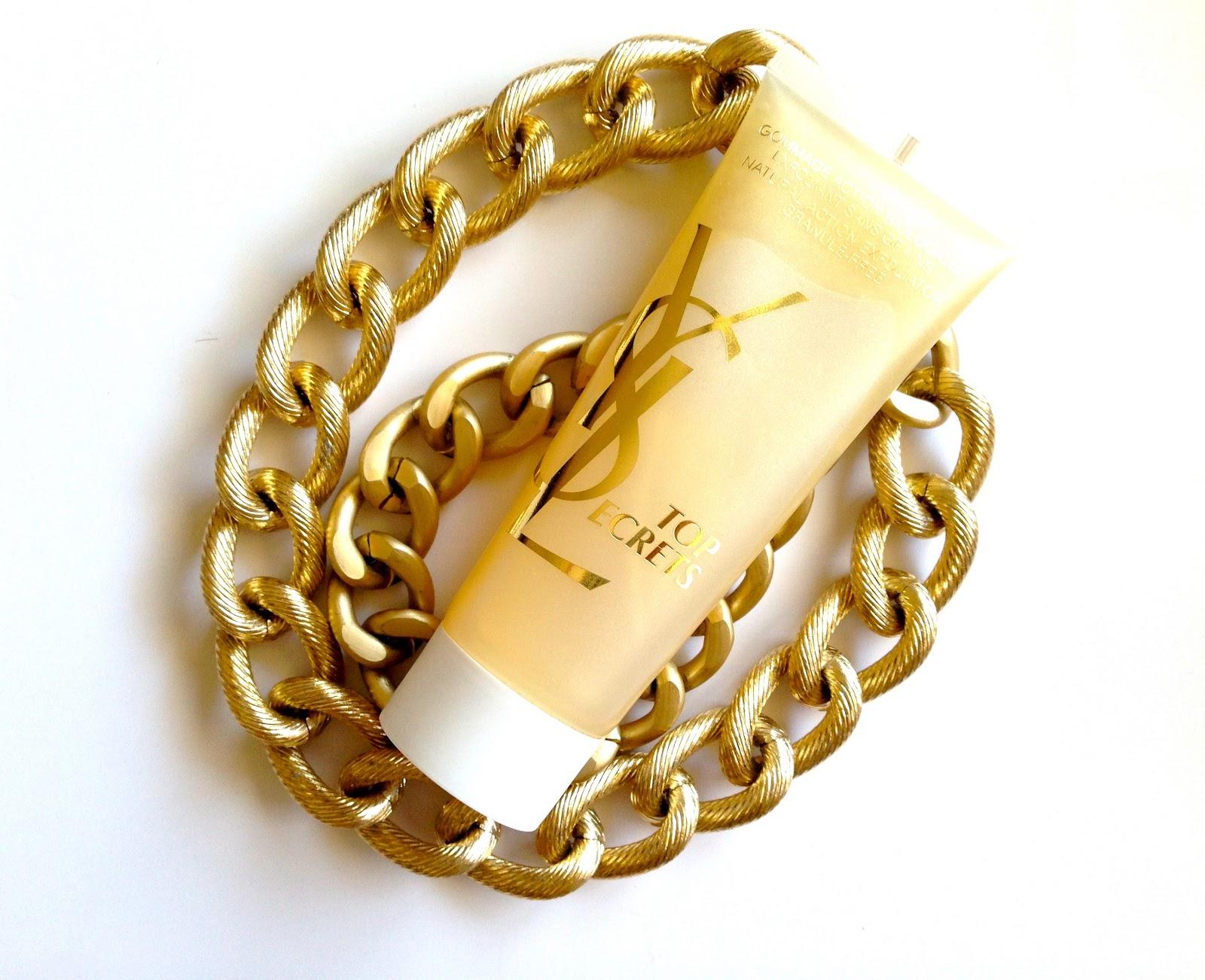 Peeling enzymatyczny na bogato. Złoty peeling Natural Action Exfoliator Yves Saint Laurent