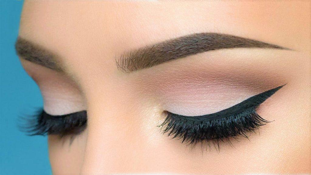 Makijaż a kształt oczu. Jak dobierać kolory i kosmetyki?